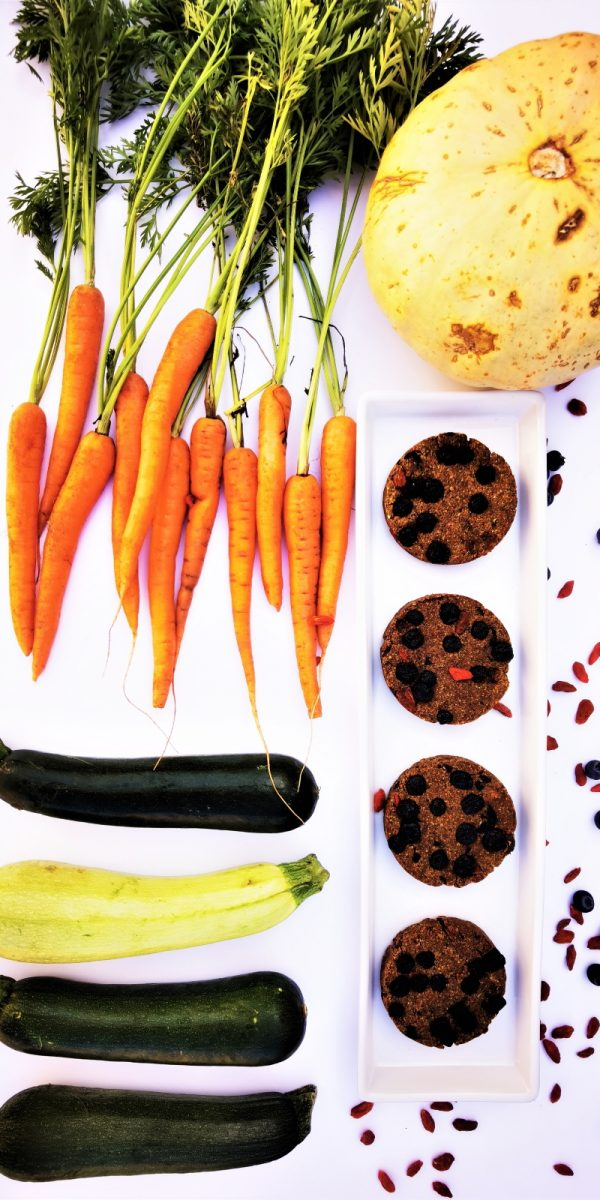 5 of 5 a day 4 cookies and raw ingredients for 4 cookies white background. Byline @JarekFilipowicz